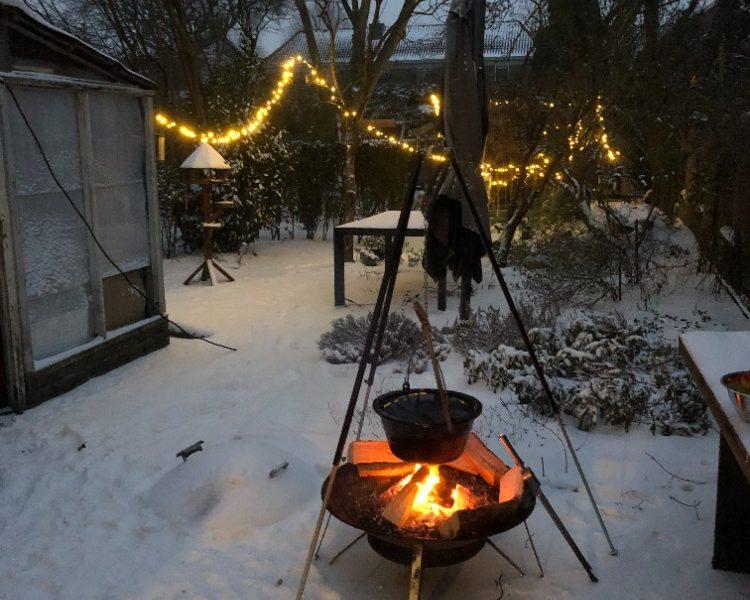Eerste keer buitenkoken in de sneeuw